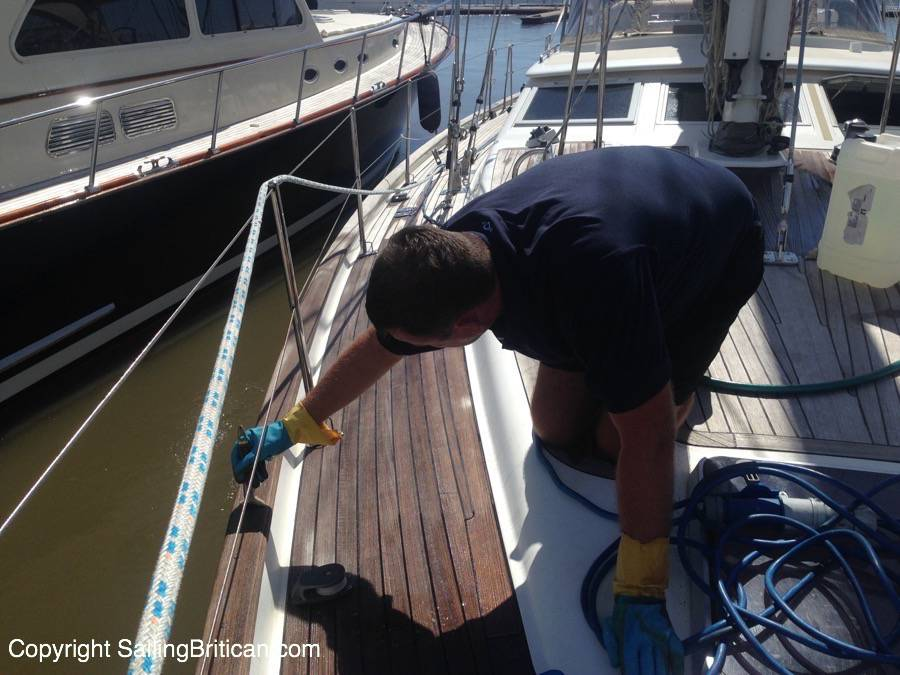 Teak deck maintenance using Boracol