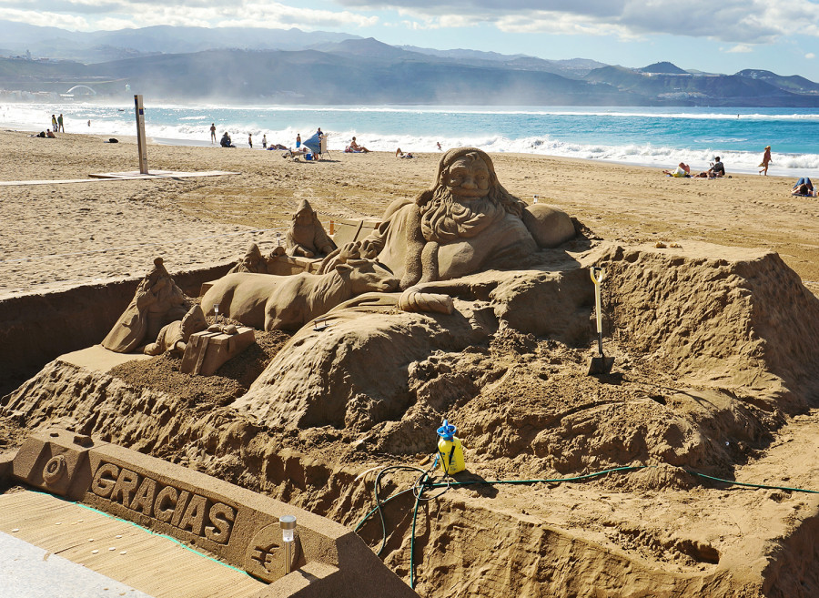 sand sculpture at Playa Canteras